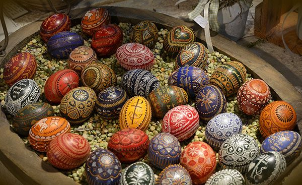 A basket full of Sorbian painted Easter eggs. Public domain image.
